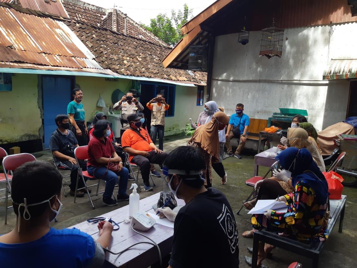 Pemeriksaan Kesehatan Warga Kampung Ngampilan (7/03/2021)